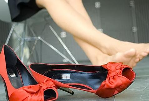 растянуть обувь дома