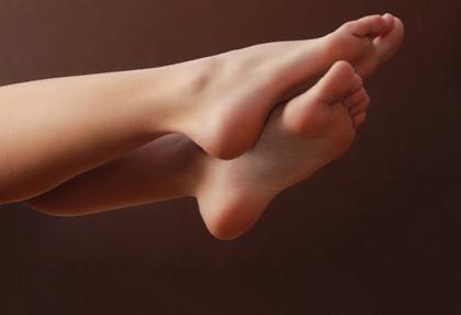 облазит кожа на пальцах ног