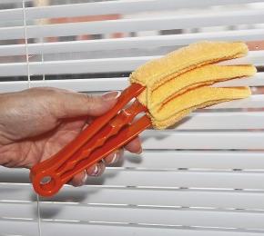 очистить от пыли жалюзи