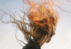избавиться от электризации волос