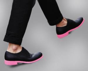 покрасить каблук на туфлях