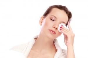 снятие макияжа глаз