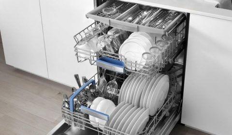 очистить посудомоечную машину