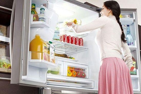 удаляем мясной запах с холодильника