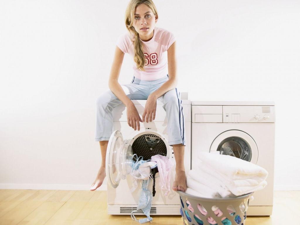 стирка в стиратьной машинке