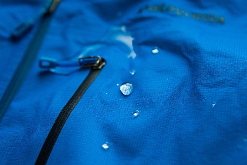 стирка мембранной одежды