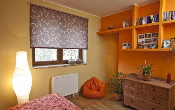 Как стирать рулонные шторы: советы и рекомендации