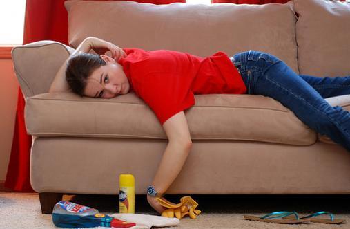 как почистить мягкую мебель дома