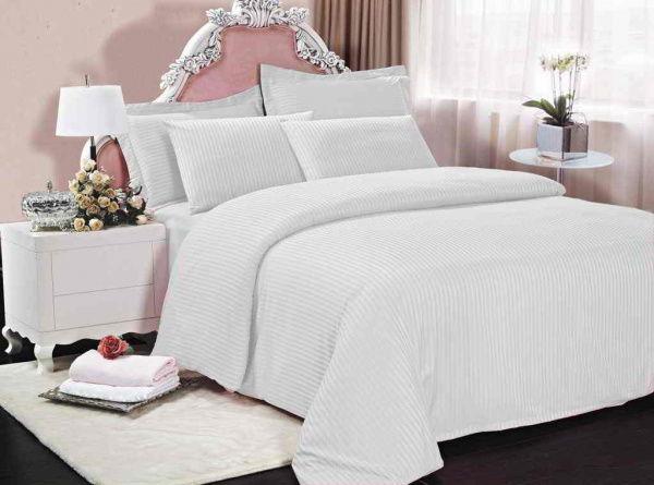 белая постель из натуральных тканей
