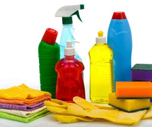 необходимые средства для чистки мягкой мебели дома