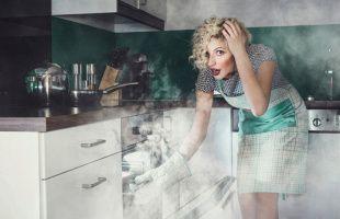 запах гари на кухне