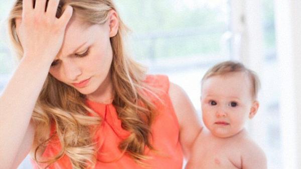 послеродовая депрессия у молодой мамы