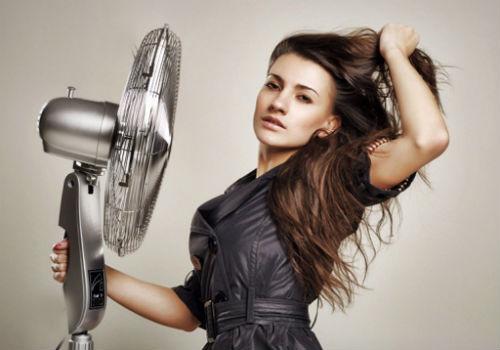 сушим волосы вентилятором