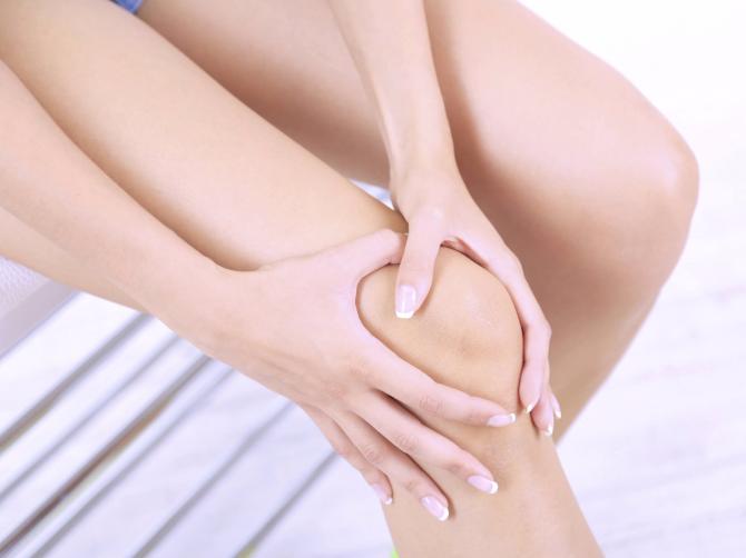 Хруст в суставах, причины и лечение