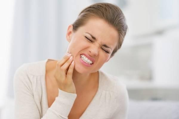 Как можно оказать помощь при зубной боли ребёнку