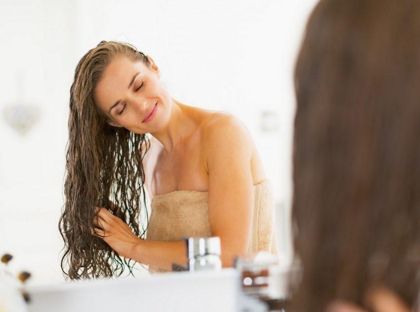 расчесывать вьющиеся волосы после мытья