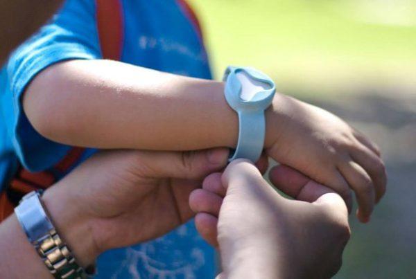браслет безопасности для ребенка